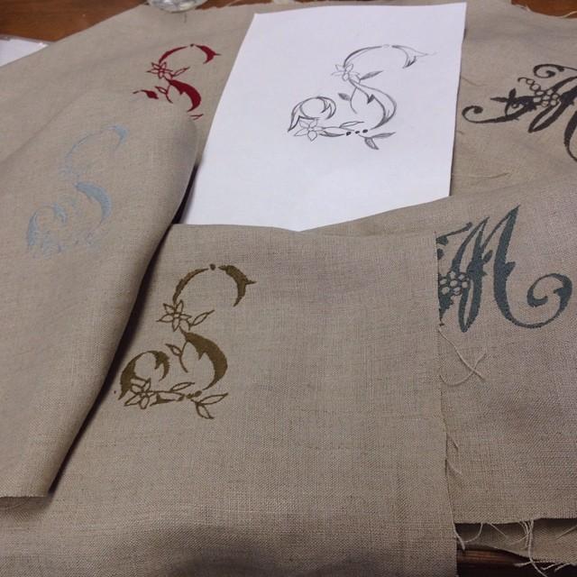 ミシン刺繍のリクエストですが、Sのデザインがなかったので、シンプルで分かりやすいSを描いてみました。