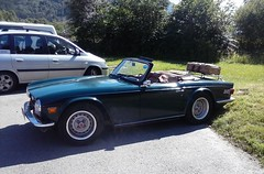automobile, vehicle, triumph tr250, triumph tr5, performance car, antique car, sedan, classic car, land vehicle, luxury vehicle, triumph tr6, convertible, sports car,