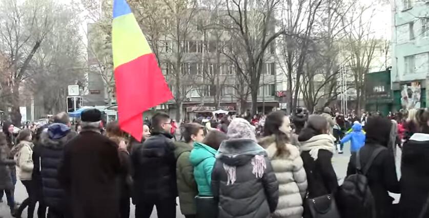 Hora_Unirii_Chisinau_Liceul_Gheorghe_Asachi_1_Decembrie_2016 (4)