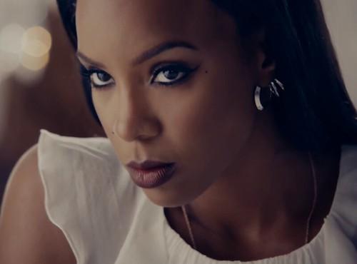 "New Video: Kelly Rowland ""Dirty Laundry"""