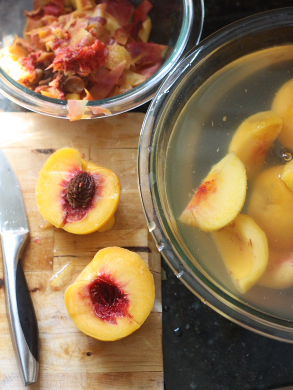 How to preserve peaches | completelydelicious.com