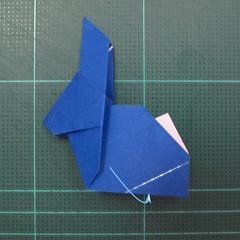 วิธีการพับกระดาษเป็นรูปกระต่าย แบบของเอ็ดวิน คอรี่ (Origami Rabbit)  025