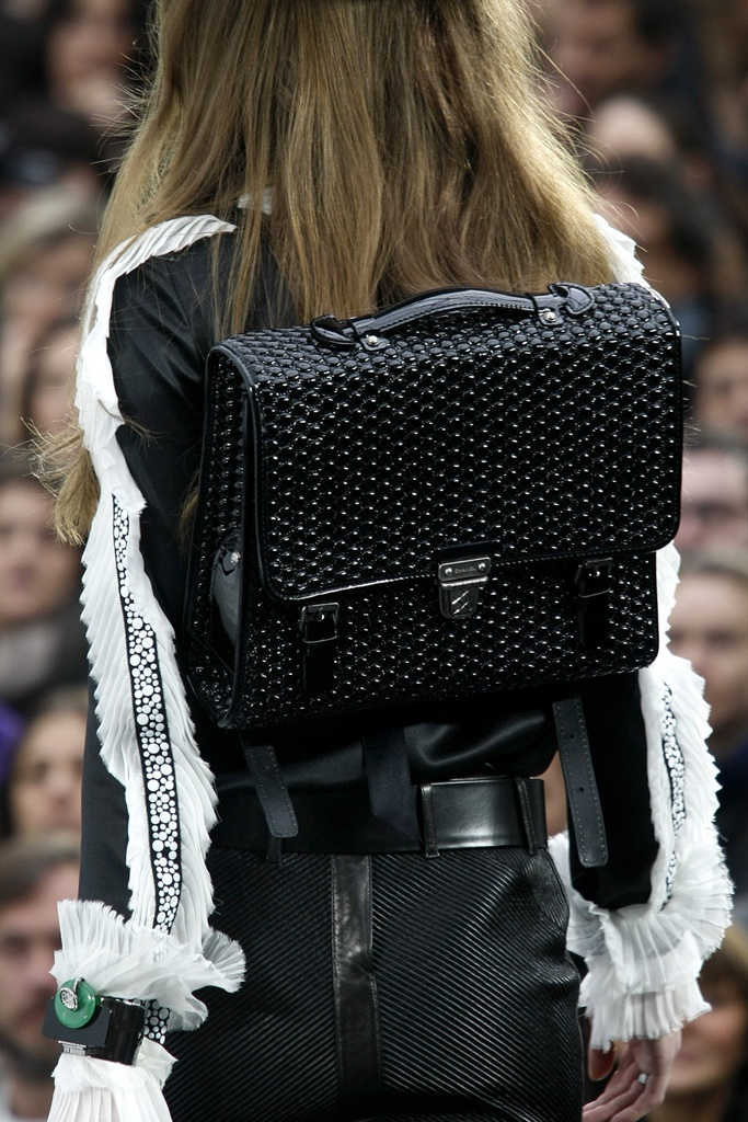 slide-show-chanel-novelty-bags11_145532450824.jpg_gallery_max