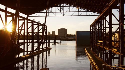 sunset orange sun canada building water sunshine river gold golden bc britishcolumbia richmond boathouse 169 fraserriver riverroad panasoniclumix20mmf17 olympusem5