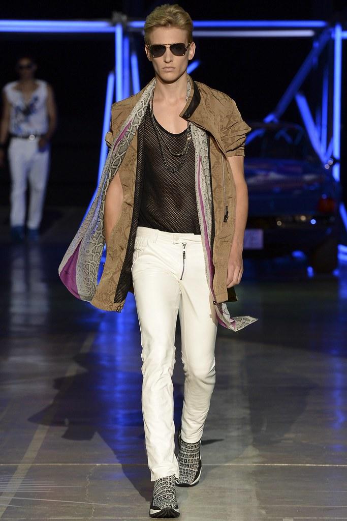 Jeroen Smits3135_SS15 Milan Roberto Cavalli(VOGUE)