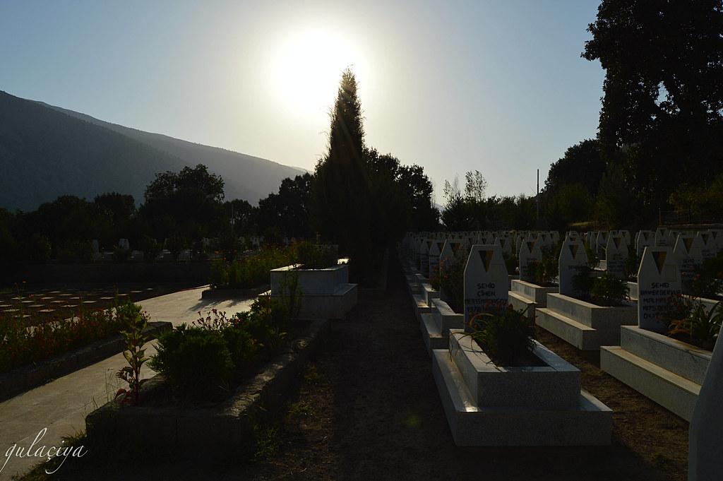 Qendîl Martyr's Cemetery