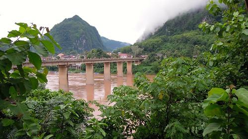 2014 coolpix laos nikon nongkhiaw nongkiauriverside p300 hatsao outdoor bridge river water