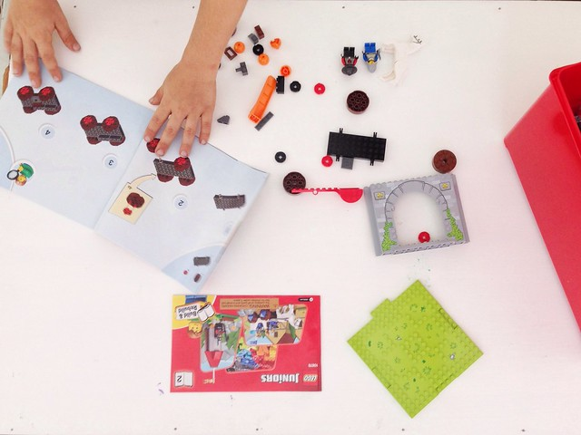 Creative Play with LEGO Juniors