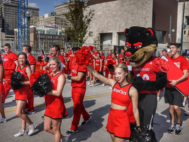 UC homecoming parade