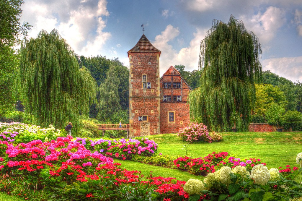 Burg Hülshoff Garden-Germany