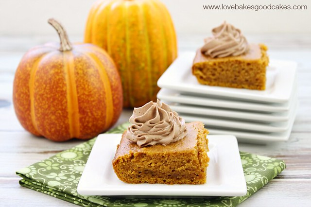 These Pumpkin Bars with Nutella Buttercream Frosting combine 2 of my favorite ingredients! This is a must make recipe! #pumpkin #Nutella #fallbaking