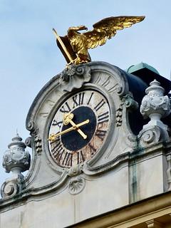 Image of Schoenbrunn Palace near Gemeindebezirk Rudolfsheim-Fünfhaus. eagle habsburg sculpture clocksculpture baroque clock uhr reloj klok horloge orologio 時計 schönbrunnpalace vienna austria