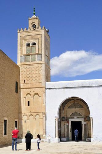 Entrada al Mausoleo del Barbero de Kairouan Kairouan, la cuarta ciudad más santa de la fe musulmana - 13941893220 b4783157c9 - Kairouan, la cuarta ciudad más santa de la fe musulmana