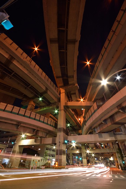 箱崎ジャンクション_夜景_広角レンズで縦構図で撮影