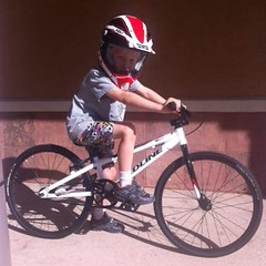 Jack D. W/ his new @redlinebicycles Mini #bmx #cycling #racing