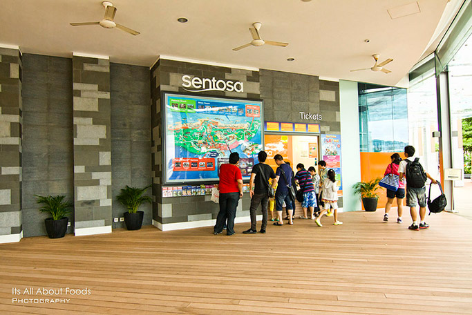 singapore-4d3n-sentosa-boardwalk-vivocity-singapore