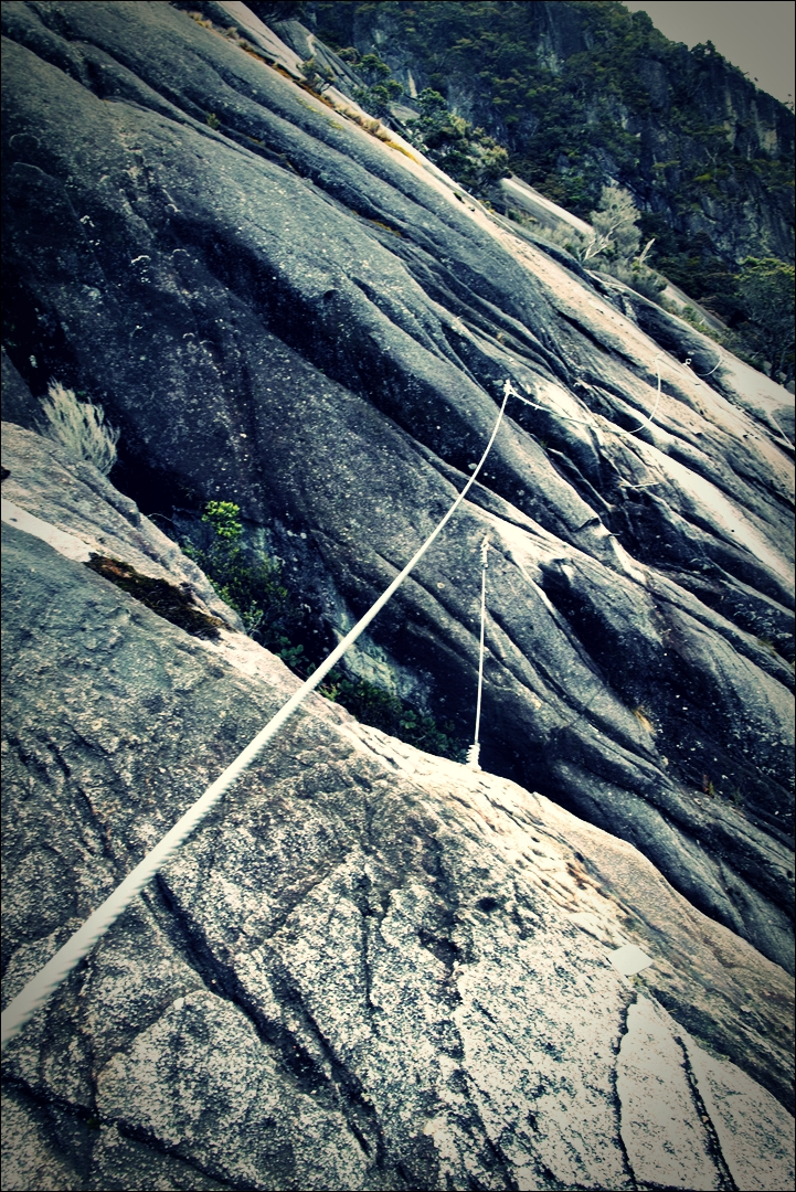 암벽-'키나발루 산 비아 페라타.  The highst Via Ferrata Kinabalu mountain '