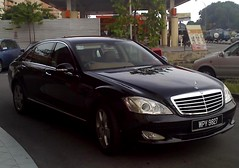 automobile, automotive exterior, executive car, wheel, vehicle, mercedes-benz w221, automotive design, mercedes-benz, bumper, mercedes-benz s-class, sedan, personal luxury car, land vehicle, luxury vehicle,