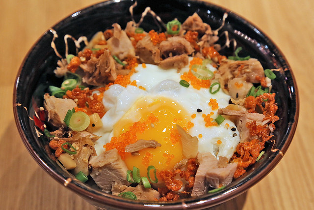 Matsuri Meshi - fried egg, chasyu, tobikko on rice