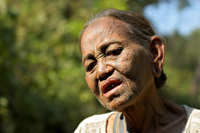 Old woman Chin face - Myanmar