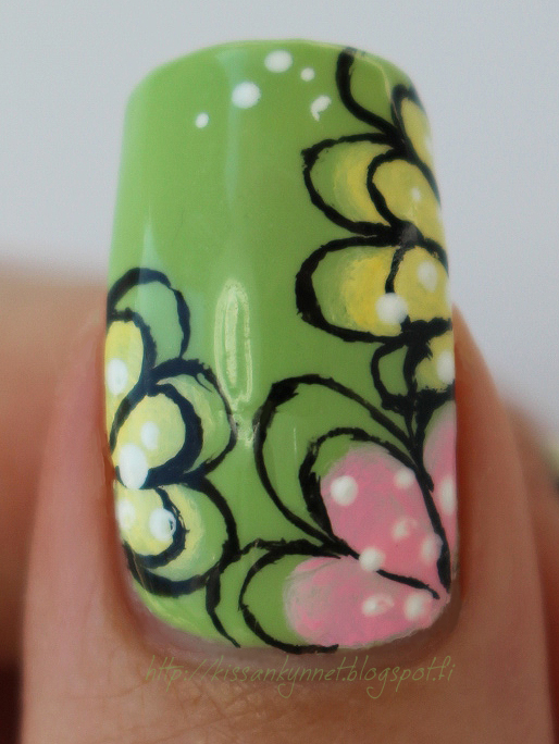 Sally_Hansen_Palm_Treat_flowers