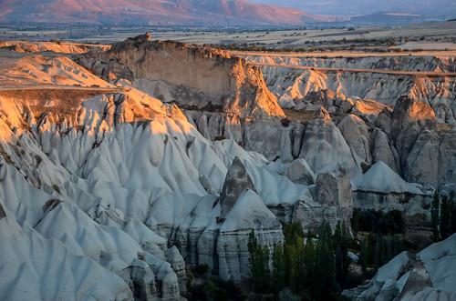 sunrise turkey landscape nikon nikkor tufa cappadocia rockformation afsnikkor18105mm13556ged nikond7000