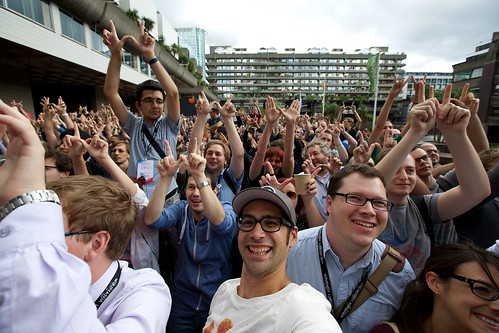 Crowd gathering for a group photo at Wikimania 2014