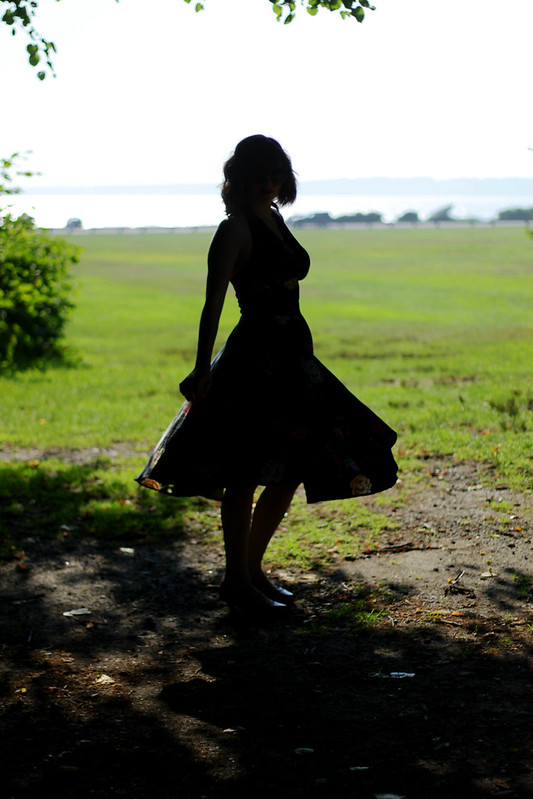 silhouette, girl silhouette, vintage silhouette, pinup, pinup dress