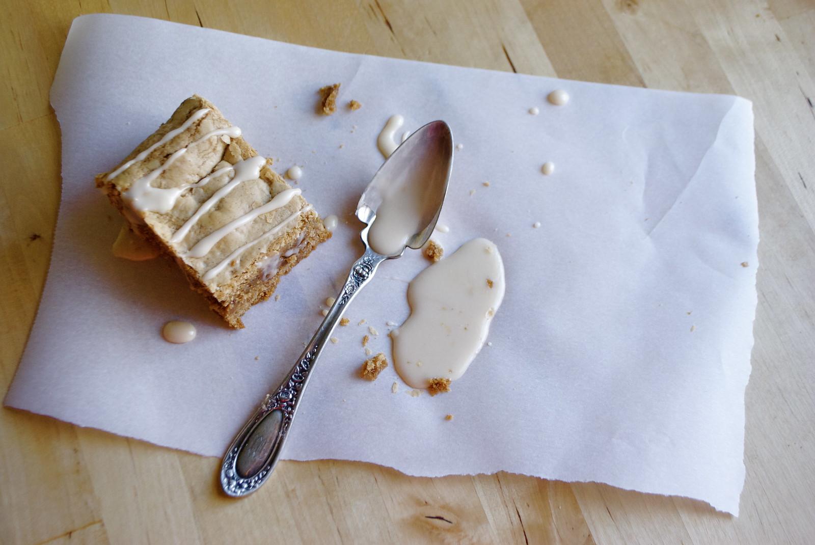 autumn spice cake mix blondies with vanilla glaze