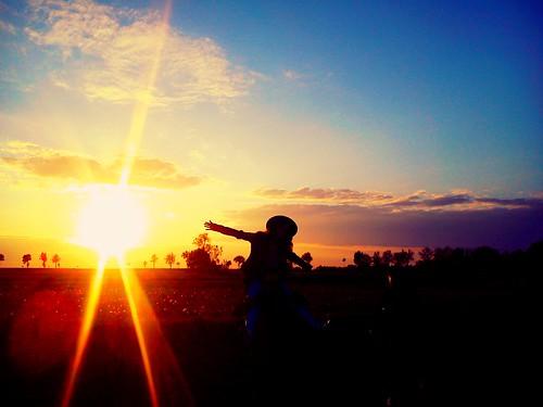 friends sunset fun freedom