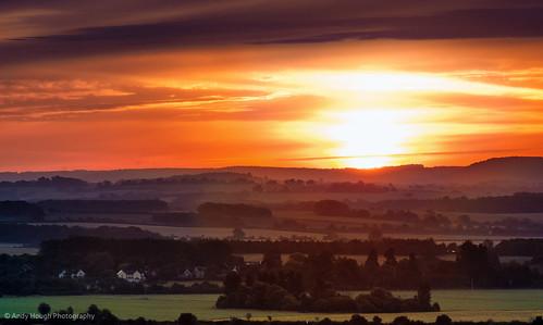 england sun sunrise dawn unitedkingdom sony a77 southoxfordshire littlewittenham sonyalpha andyhough slta77 andyhoughphotography tamronsp70200di