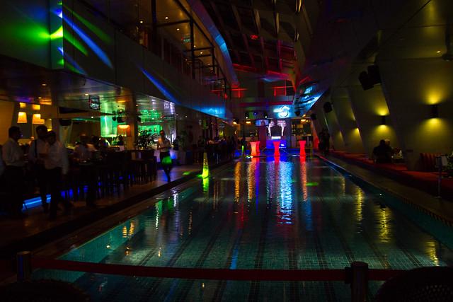 Sky Bar, Traders Hotel