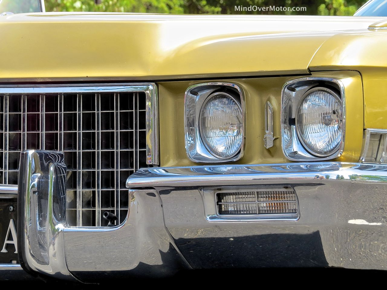 1971 Cadillac Sedan DeVille Headlights