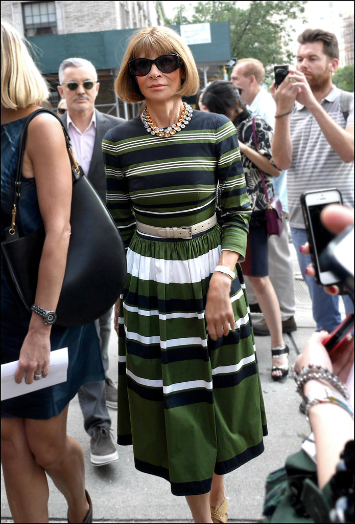 FW9-14  19w ms anna wintour green white and black striped dress t ol