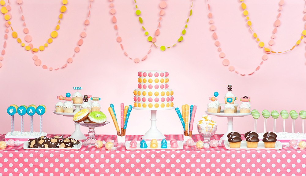 Bakerella Sweets Table