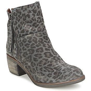Duchesse Leopard Boots