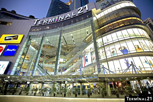 Shopping in Bangkok - Terminal 21 - Alvinology