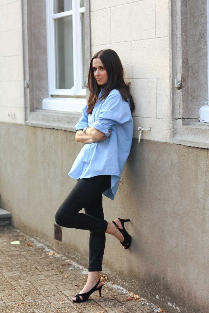 outfit oversized shirt skinnies slingbacks