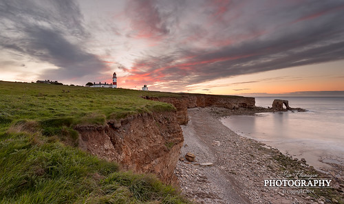 sunset sea lighthouse grass arch cliffs coastline northeast seastack souter whitburn ontheedge canon5dmk3