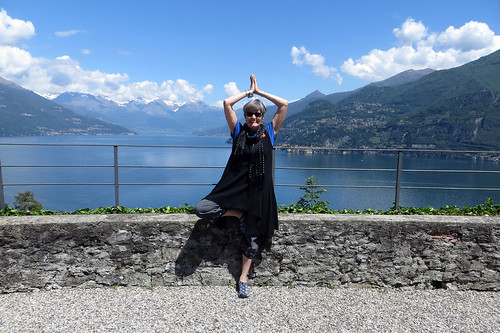 lake como yoga pose may 2014