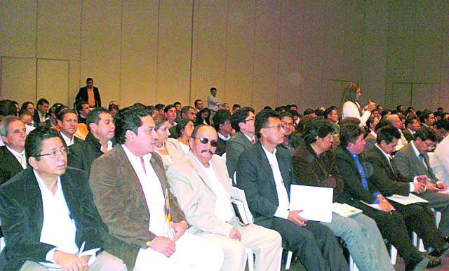 Alcalde asiste a  taller del MIES en Quito