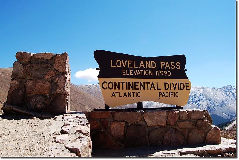 Summit of Loveland pass 8