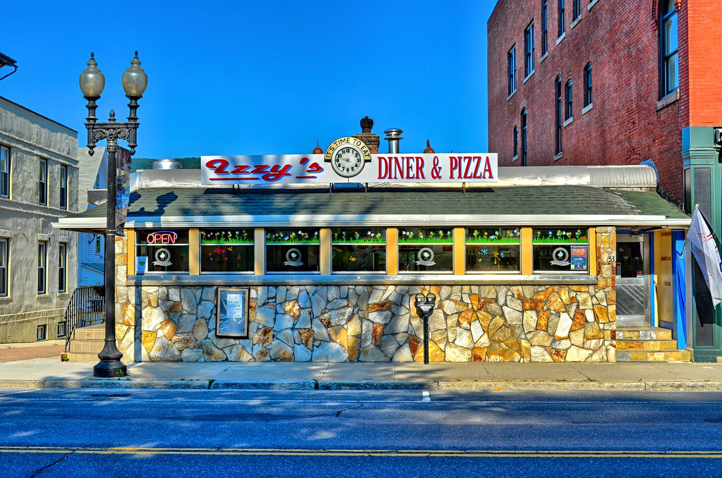 Izzy's Diner and Pizza - Miss Adams Diner