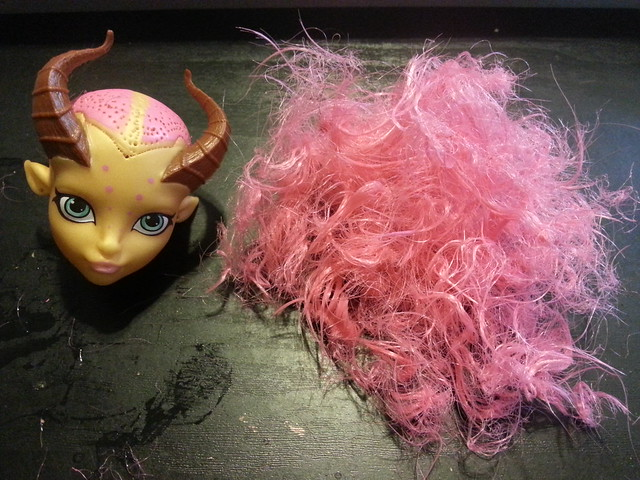 WIP What's in your head - Gilda Goldstag edition. She is a Made in China doll,  and therefore has almost no glue in her head