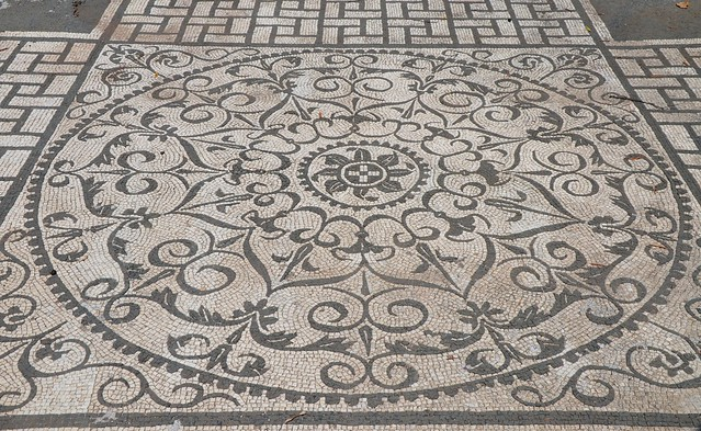 Black and white mosaic with geometric and floral motifs, Hospitalia, Hadrian's Villa