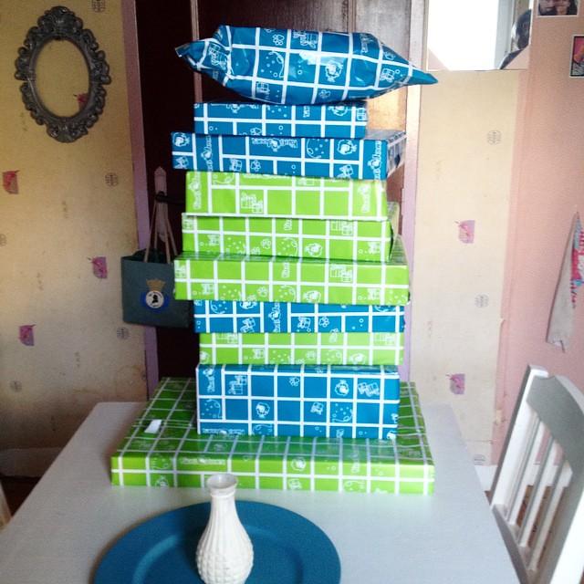 Cadeau de Noël acheter pour les loulous  ou quand les cadeaux qu'ils voulaient sont à -50% chez king jouet . #lego etc...