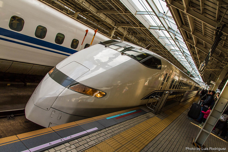 Serie 300 de shinkansen en Shin-Osaka