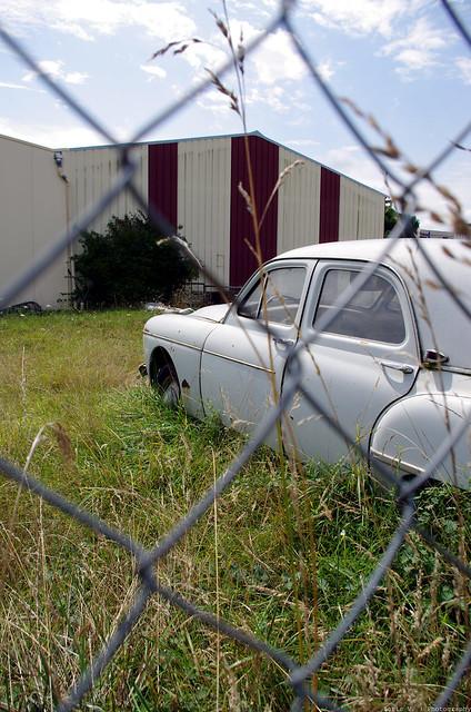 Les voitures abandonnées/oubliées (trouvailles personnelles) 15119411092_2cd3e8cc8e_z