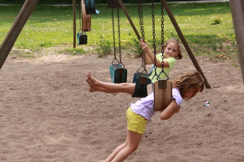 friends at park (10)