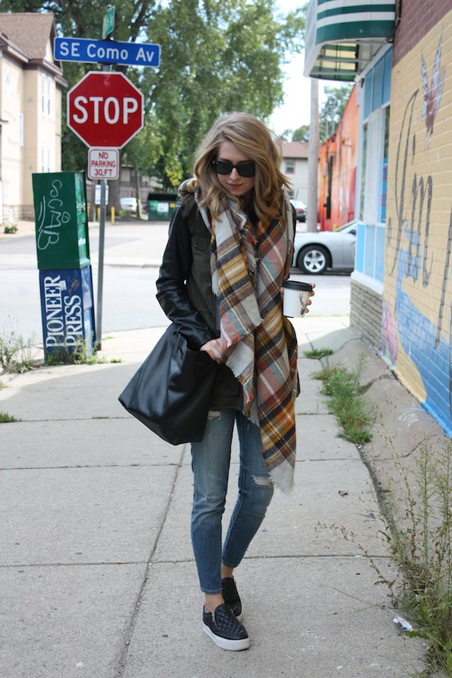 chelsea+lane+zipped+truelane+blog+minneapolis+fashion+style+blogger+aritzia+zara+scarf+kut+from+kloth+ash+footwear3